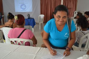 A mujer lideresa at a workshop with LIMPAL in Colombia.